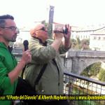 Passeggiata con Alberth Mayhem sui luoghi del romanzo noir Il Ponte del Diavolo a Cividale del Friuli