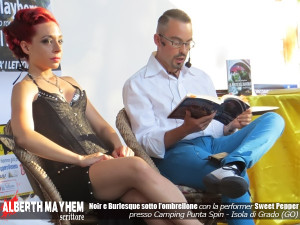 Alberth Mayhem insieme alla burlesque performer Sweet Pepper