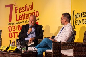 Alberth Mayhem Intervistato al festival letterario Grado Giallo (sull'isola di Grado) dal curatore prof. Elvio Guagnini